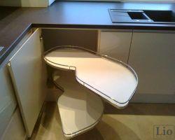 Virtuvės baldų furnitūra 33