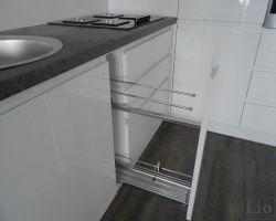 Virtuvės baldų furnitūra 36