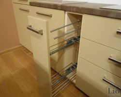 Virtuvės baldų furnitūra 9