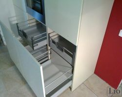 Virtuvės baldų furnitūra 7