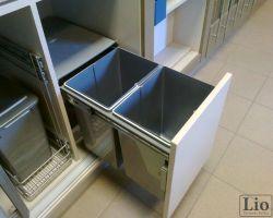 Virtuvės baldų furnitūra 4