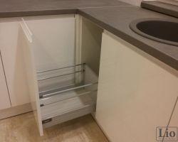 Virtuvės baldų furnitūra 40