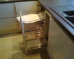 Virtuvės baldų furnitūra 2