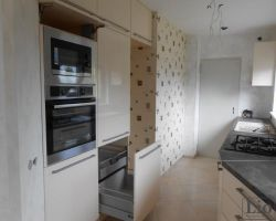 Virtuvės baldų furnitūra 6