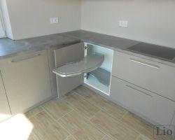 Virtuvės baldų furnitūra 1